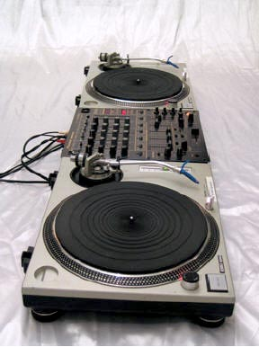 DJ-paketti